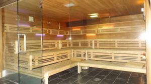 Orange_Fitness_Sauna_12